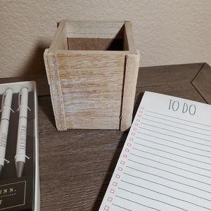 Rae Dunn Office - Rae Dunn Pen Holder, Pen Set & TO DO Notepad Set